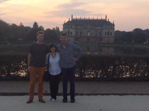 Jane, Mathis und Ingo ließen unseren Verein in Dresden registrieren