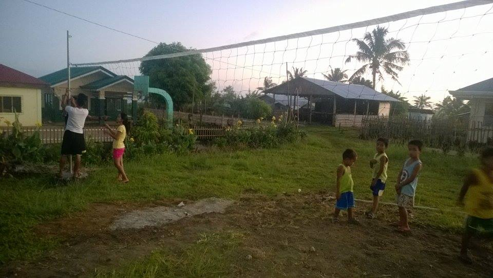 Aufbau Volleyballfeld
